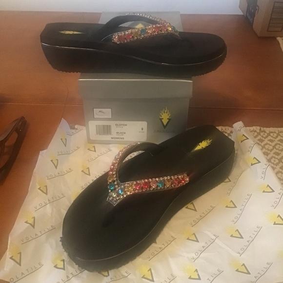 Size 9 Volatile Flip Flops